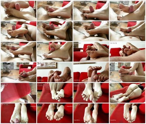 mature-neighbor-footjob-jhonn-womens-feet_scrlist.jpg