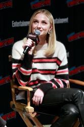 Sophie Turner - Entertainment Weekly at NY Comic Con - 10/6/18 e6rm9b9yx7.jpg