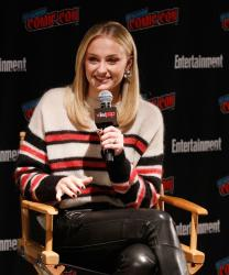 Sophie Turner - Entertainment Weekly at NY Comic Con - 10/6/18 s6rm9btsmk.jpg