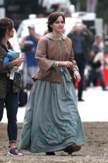 Emma Watson - Filming Little Women in Boston - 10.09.2018 84710485_012