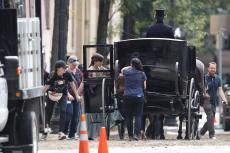 Emma Watson - Filming Little Women in Boston - 10.09.2018 84710504_020