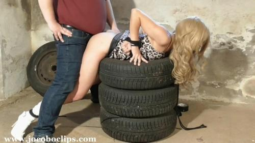 Maniac Car-Mechanic  – Juliette. Jocoboclips.com (954 Mb)