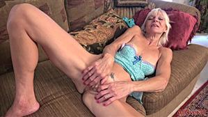 allover30-18-10-11-mimi-smith-mature-housewives.jpg