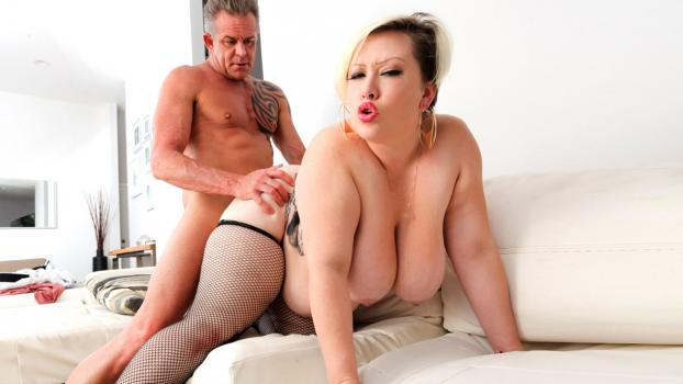 plumperpass-18-10-12-bunny-de-la-cruz-tony-loves-bunny.jpg