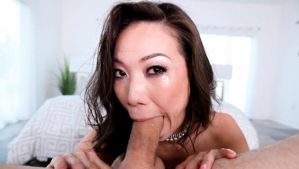 throated-18-10-12-kalina-ryu-testing-an-asian-throat.jpg