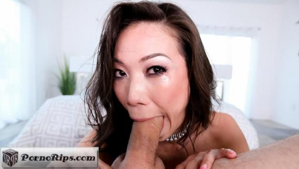 throated-18-10-12-kalina-ryu-testing-an-asian-throat.jpg