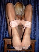 Amateur - Ragged tights of a horny milf r6rq5k7dws.jpg