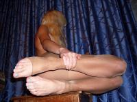 Amateur - Ragged tights of a horny milf l6rq5lenj7.jpg