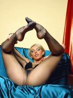 Lilly - Skinny babe with long pantyhose legs 16rqq80ool.jpg