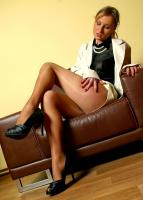 Daryl - Business deal in pantyhose a6rrhangtk.jpg