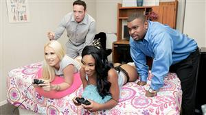 daughterswap-18-10-16-lala-ivey-and-layla-love-the-space-invade-hers.jpg