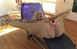 Buttmans Focus: Hot Babes!