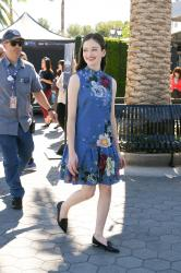 Mackenzie Foy - On the set of Extra in Hollywood - 10/17/18 r6rtc0qfb4.jpg