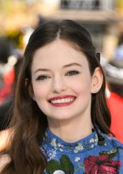Mackenzie Foy - On the set of Extra in Hollywood - 10/17/18 06rtc0s3qt.jpg