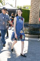 Mackenzie Foy - On the set of Extra in Hollywood - 10/17/18 66rtc1511o.jpg
