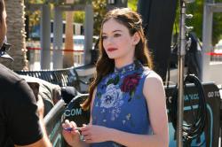 Mackenzie Foy - On the set of Extra in Hollywood - 10/17/18 r6rtc1lu3x.jpg