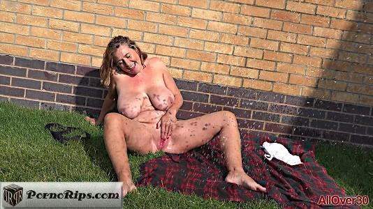 allover30-18-10-18-camilla-a-nudism-and-outdoors.jpg