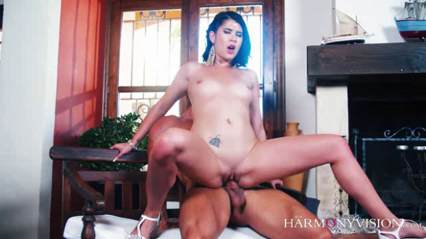 harmonyvision-18-10-18-lady-d-make-me-yours.png