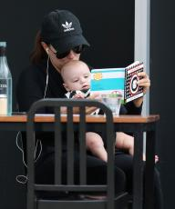 Eva Longoria - Out & about at the Gold Coast in Queensland - 10.20.2018 86079581_014