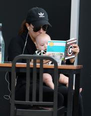 Eva Longoria - Out & about at the Gold Coast in Queensland - 10.20.2018 86079591_019