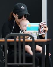 Eva Longoria - Out & about at the Gold Coast in Queensland - 10.20.2018 86079597_020