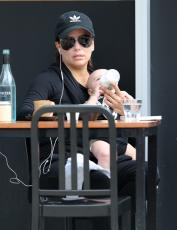 Eva Longoria - Out & about at the Gold Coast in Queensland - 10.20.2018 86079651_030