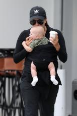 Eva Longoria - Out & about at the Gold Coast in Queensland - 10.20.2018 86079791_050