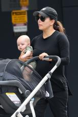 Eva Longoria - Out & about at the Gold Coast in Queensland - 10.20.2018 86079861_070
