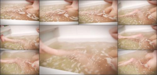 Hitomi_Official_Video-not today_75760