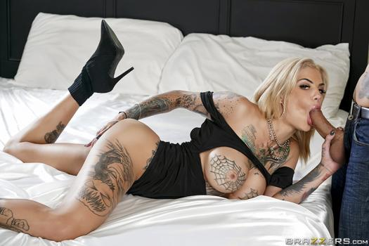 brazzersexxtra-18-10-22-bonnie-rotten-he-came-at-night-part-1.jpg