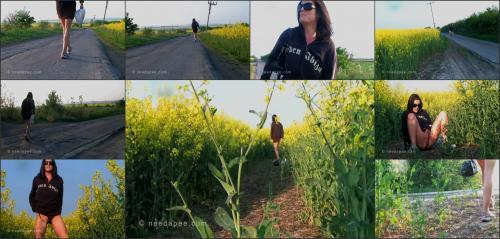 198_-_Rebekah_-_Rapeseed_Field_Pee